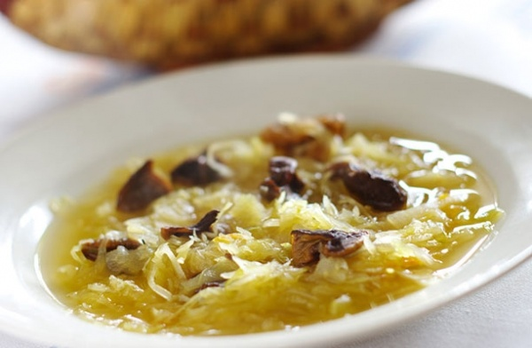 Col hervida con champinones - Cabbage with garlic mushrooms