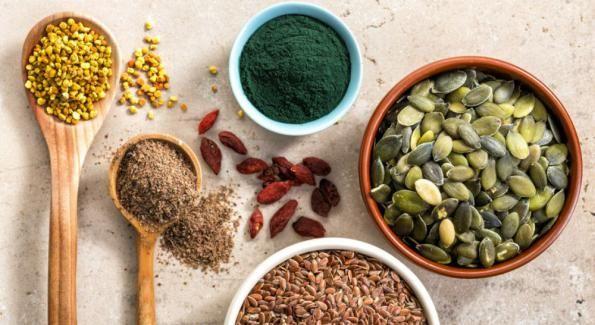 """15 ALIMENTS RICHES EN PROTÉINES VÉGÉTALES... """"Choisir de devenir végétarien ou décider de limiter sa consommation de viande implique de se passer des protéines animales. Heureusement, la nature est bien faite et nous fournit des protéines végétales qui permettent de compenser ce manque. Voici les 15 ingrédients riches en protéines végétales.""""... http://www.bioalaune.com/fr/actualite-bio/29729/15-aliments-plus-riches-en-proteines-vegetales"""