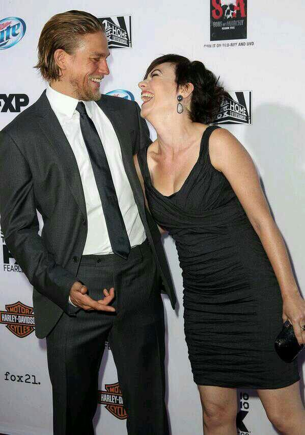Charlie Hunnam couple