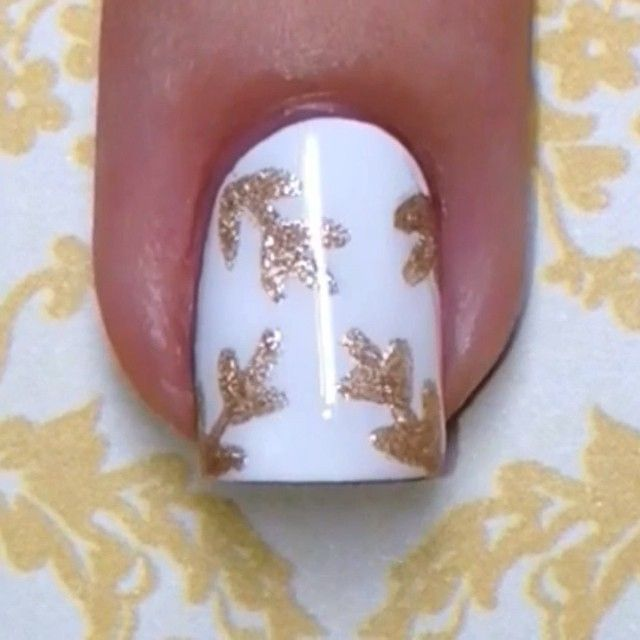 """🎥Tutorial for today's elegant gold leaf nails✨ So easy and classy👌 the gold polish I used is OPI """"Love Angel Music Baby"""", and my topcoat is Seche Vite💅 💍This design was inspired by a gorgeous ring from @mysassybella ✨ 🎤Song: Kiesza """"Hideaway""""💋"""