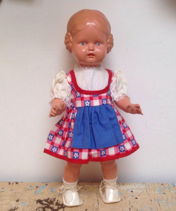 Vintage Schildkrot celluloid doll Barbel with blue by karmolijntje