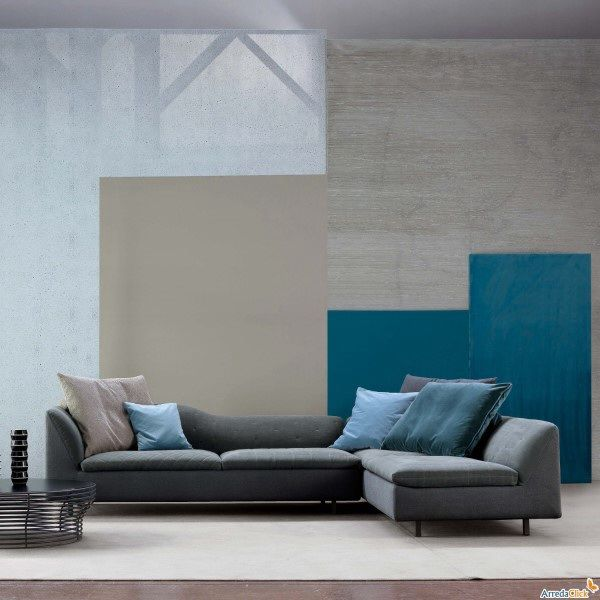 Oltre 25 fantastiche idee su pareti grigio blu su for Divano blu colore pareti