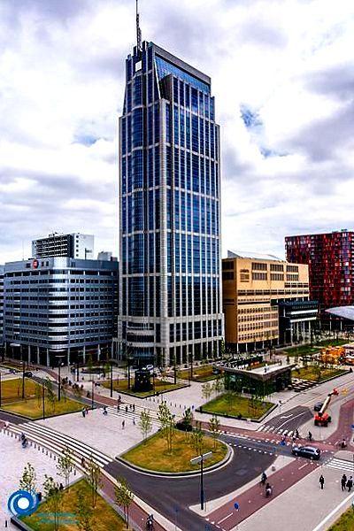 Rotterdam - Millennium Toren heeft 35 verdiepingen en is.131 mtr hoog. Opgeleverd in 2000. Staat aan het Weena nabij het Centraal Station.