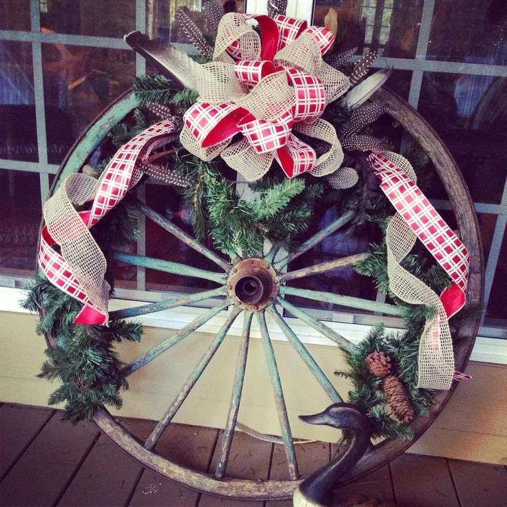 Wagon wheel country christmas decorations uuugh if only i for Christmas decoration 94