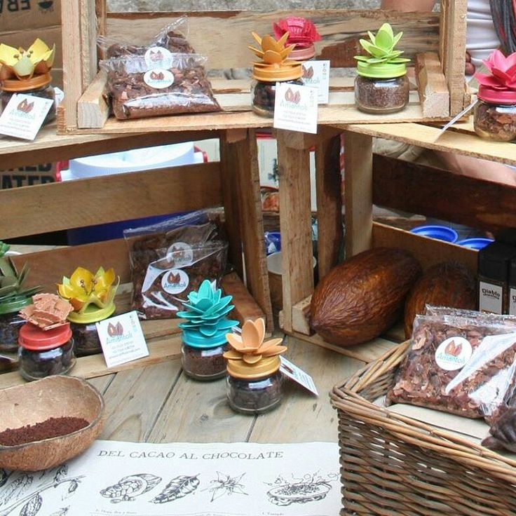 Tarritos con: •Granos de cacao entero •Nibs de cacao  •Cascarilla de Cacao •Cacao Molido Y nuestra nueva receta para sazonar; Sales de mar con Cacao!  RinG : 7227501615