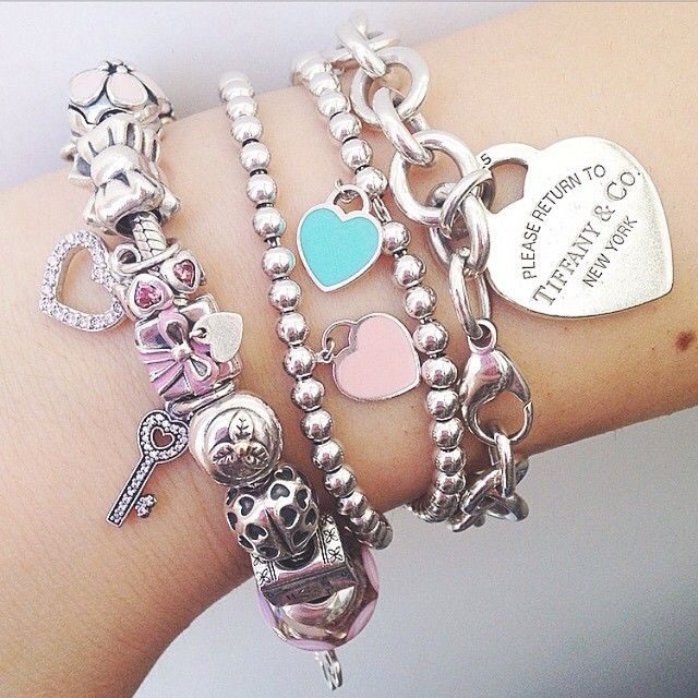 「Some lovely Tiffany & Co. arm candy by @giuliiietta_ 」