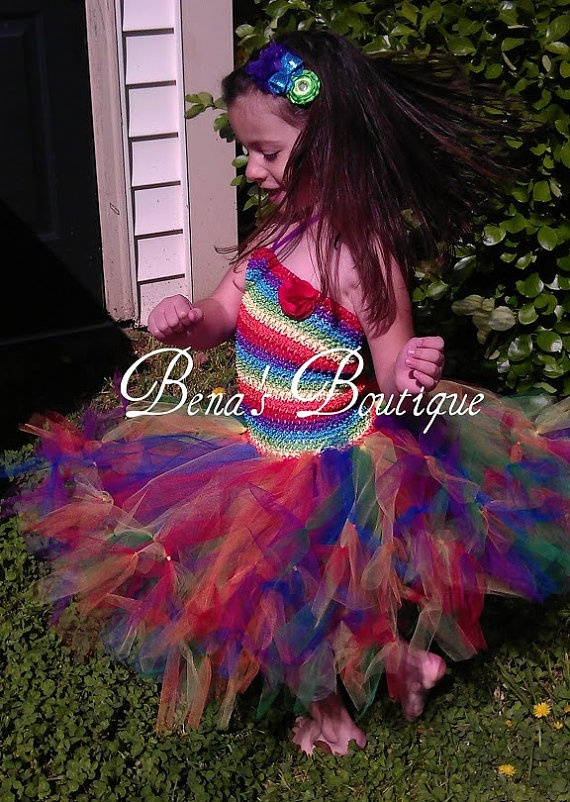 Rainbow Tutu Dress! Perfect for Birthdays and photos!! #rainbowdress , #rainbowbirthday , #cuterainbowdress