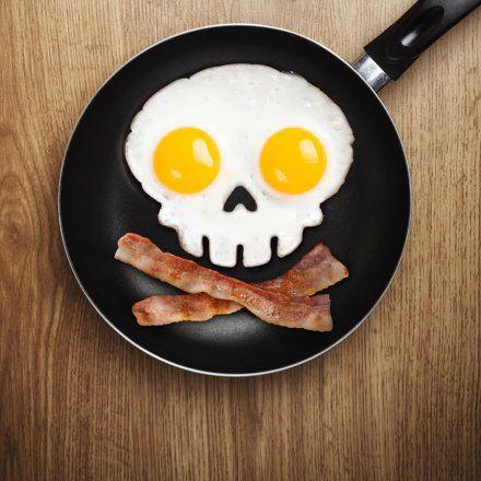 Spiegeleiform Totenkopf Funny Side Up Skull schwarz Silikon