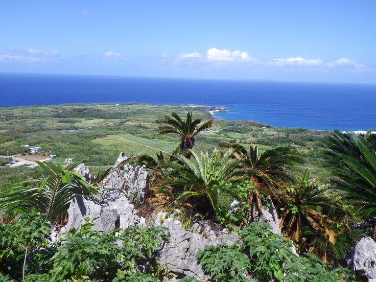 大石林山から与論島を望む/沖縄県大石林山