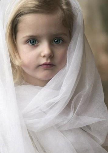 cute muslim baby...... Young Beautiful Hijabi in The Worlds Hijabers Cilik Cantik Sedunia http://hijabcornerid.com