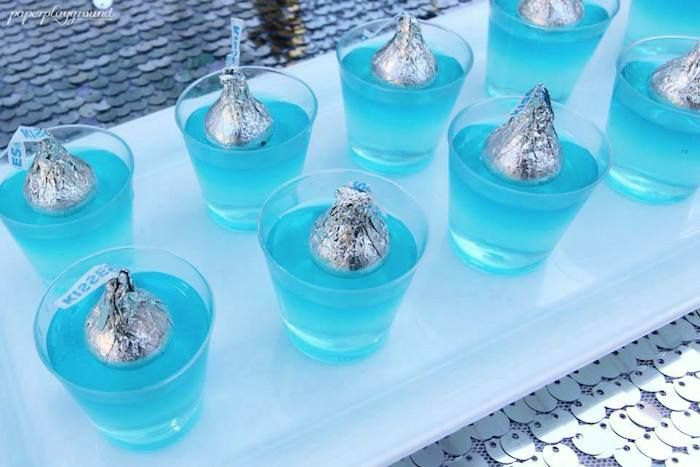 Frozen Birthday Party Celebration via Kara's Party Ideas KarasPartyIdeas.com #frozen #frozenparty #karaspartyideas Printables, desserts, supplies, invitations, and more! (24)