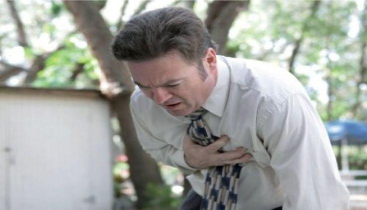 Cum sa acorzi primul ajutor unei persoane aflata in soc anafilactic Socul anafilactic este o reactie alergica severa care poate fi cauzata de expunerea la substante comune, dar care pot duce la deces. Anafilaxia, cum se este cunoscut,