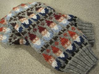 Img_2176_small2gnome mittens by spilly jane