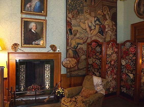 The Tapestry Bedroom - Coughton House - Warwickshire - England: