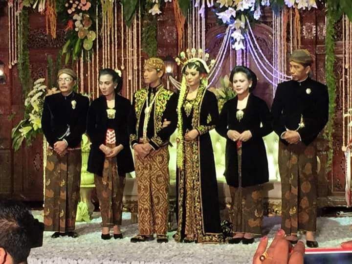 pernikahan putra sulung Presiden Jokowi, Gibran Rakabuming Raka, dan Selvi Ananda di Gedung Graha Shaba Buana, Solo, Jawa Tengah
