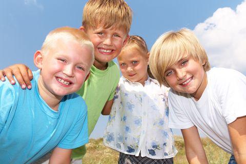 Allacciare buone relazioni con i nuovi compagni e rinfrescare le amicizie è importante per partire bene con il nuovo anno scolastico.