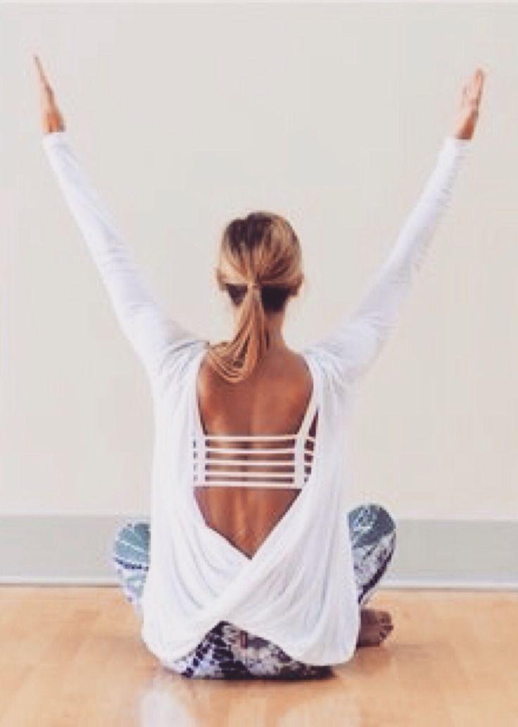 Black Strappy Back Crop Yoga Top