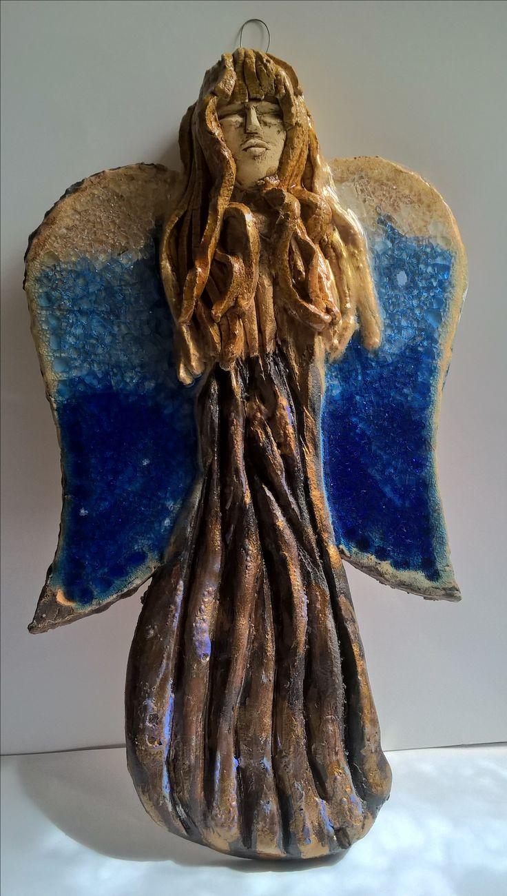 Ceramic angel keramicky anděl  se sklenenymi křídly