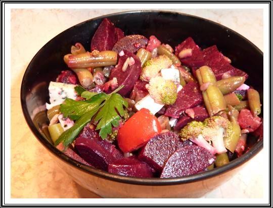salatka z burakow i brokulow