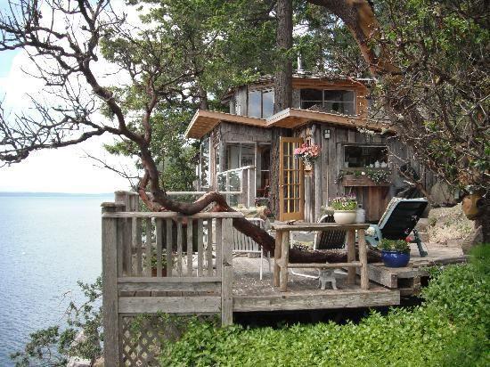 Treehouse Bed & Breakfast, Galiano Island