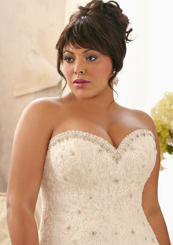 the 25 best ideas about curvy wedding dresses on pinterest plus size wedding gowns plus wedding dresses and plus size sparkly dresses