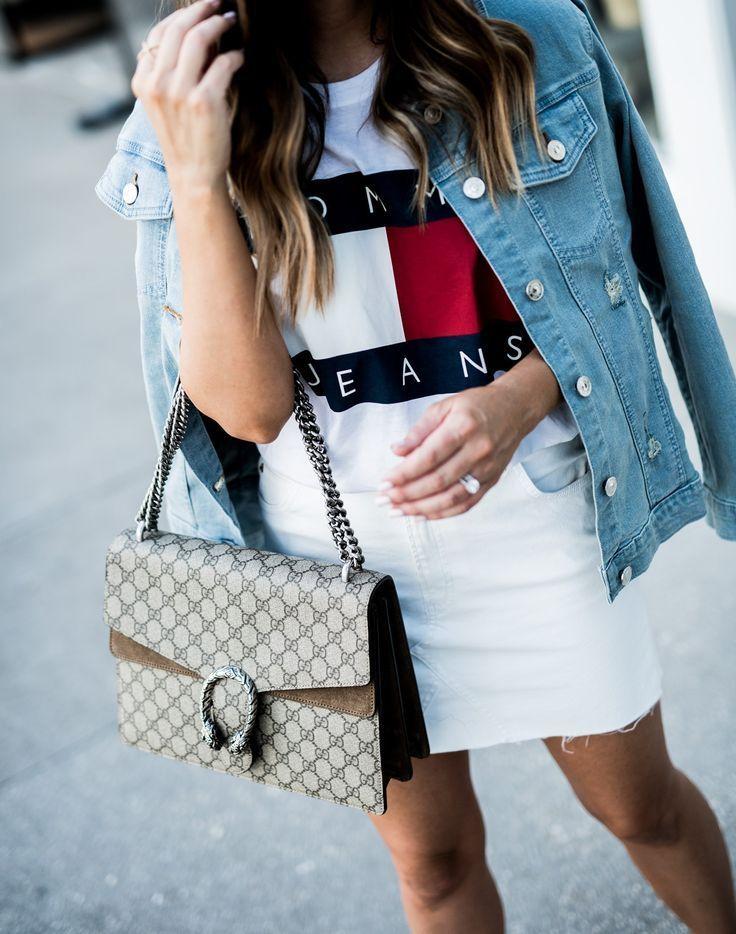 Houston fashion blogger Tiffany Jais   90's Vibes - Tommy Hilfiger, classic logo tee, denim jacket outfits, streetstyle 2017