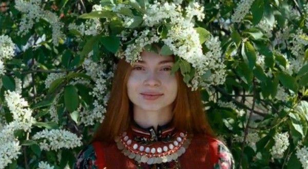 NEBESNYE ZHENY LUGOVYKH MARI / CELESTIAL WIVES OF THE MEADOW MARI  http://www.youtube.com/watch?v=Tj3naQeuTcg
