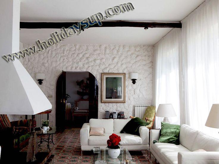 Living area ay villa Alfredo with private pool, garden facilities accomodation holidays in sorrento coast villas booking