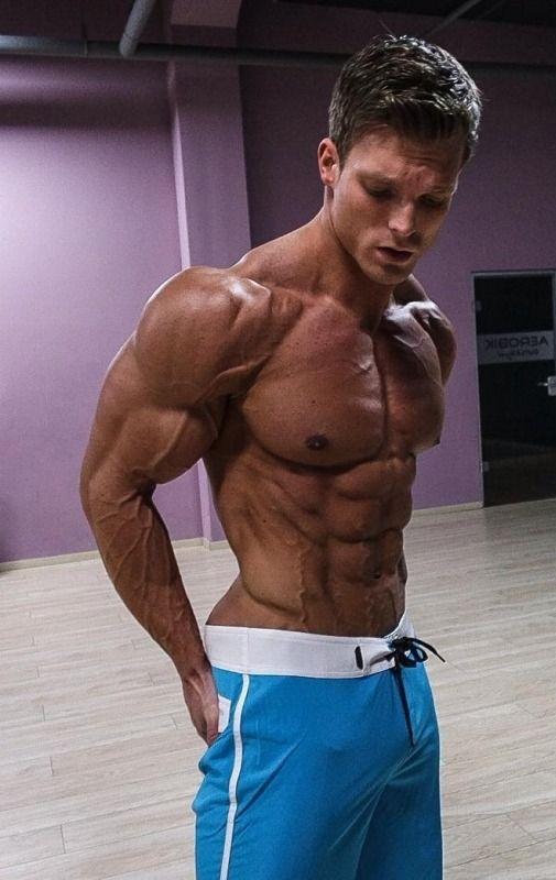 Pin de Mark en Muscles boy en 2020