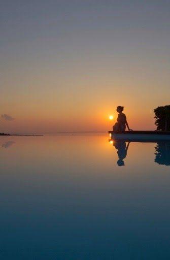 """El camino a la paz interior.  La paz sólo puede ser interior (y en el presente). No existe la """"paz exterior"""" porque no podemos determinar las circunstancias de nuestra vida. No tenemos poder para controlar o cambiar al mundo como queramos... Leer en el link de la foto  #autoayuda #psicología #salud #vida #vidasana #vidasaludable #relax"""
