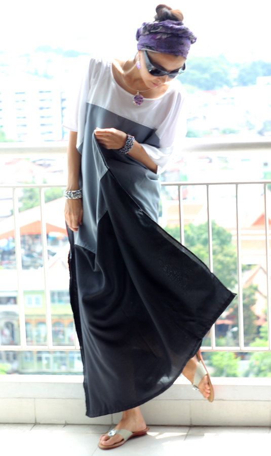 Maxi dress kaftan white / gray / black tunic caftan por Multiwear, $37.99