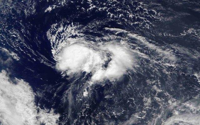 Απειλεί τις Βερμούδες ο τυφώνας Νικόλ: Μετά το σαρωτικό και φονικό πέρασμα του τυφώνα Μάθιου από την Καραϊβική και τις αμερικανικές ακτές,…