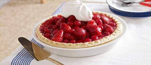 Pay glaseado de fresas y frambuesas