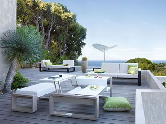 Modern Outdoor Furniture Allows You To Bring Taste And Class To The Outside  Of Your Home
