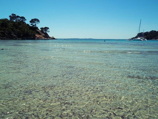 Plage de l'Estagnol, Bormes les mimosas, une des plus belles plages de la côte d'Azur.