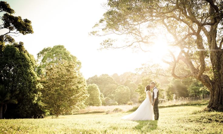 The golden hour // Bec & Alex's Summergrove Estate Wedding {Mitchell J Carlin Wedding Photography}