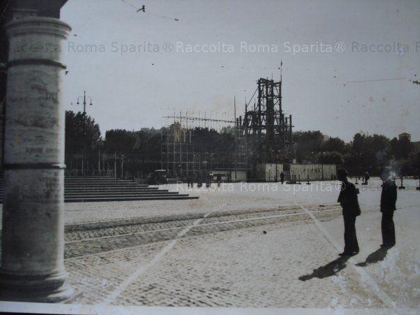 : Piazza di Porta Capena – Installazione della stele di Axum Anno: 28 ottobre 1937