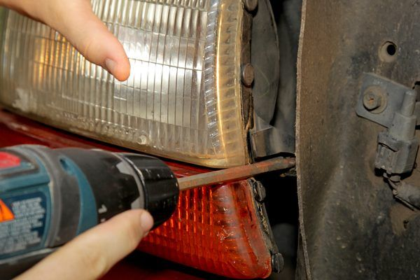 how to clean your headlights with vinegar