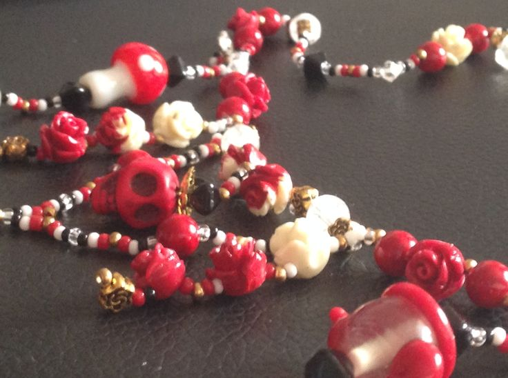 The Red Queen- Necklace inspired by Wonderland