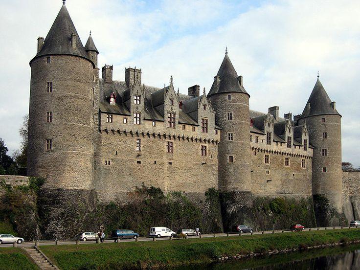Josselin ch teau des rohan xi xv me si cle reb ti en for Architecture 18e siecle france