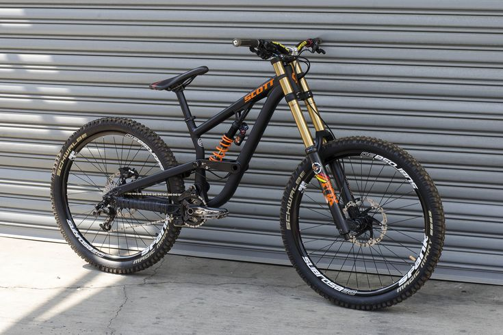 Smooth! '2015 SCOTT Voltage FR730' with Spank Bikes stem, Spike 800 Race Vibrocore handlebar and Subrosa 30 EVO rims. From Vital MTB member Bikerlink_ChaseLee.