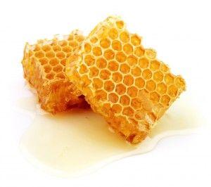 La gelée royale, véritable trésor de la ruche ! #ruche #actif