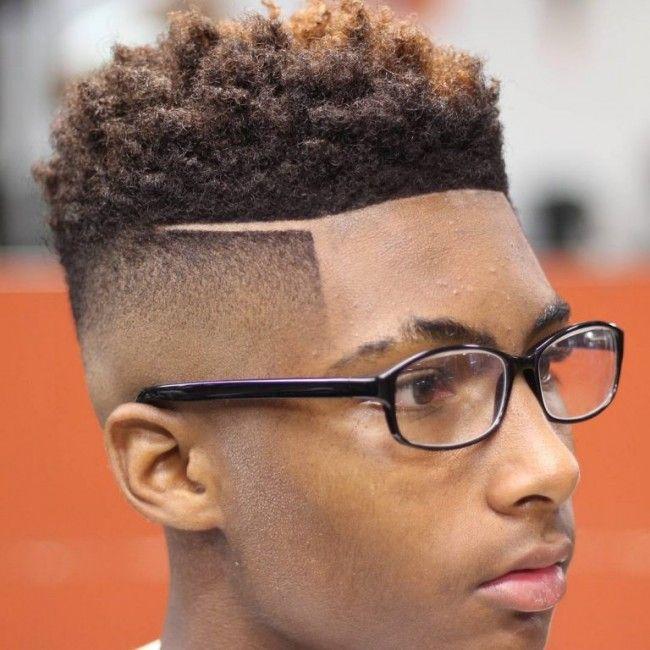 Dégradé haut + Raie pour cheveux crépus