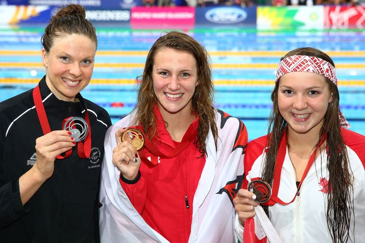 Gold medallist Jazz Carlin of Wales poses with silver medallist Lauren Boyle of New Zealand and bronze medallist Brittany Maclean of Canada