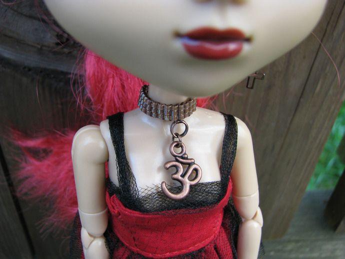 Blythe and Pullip Fashion Doll Choker Copper Aum Doll Jewelry by finasma