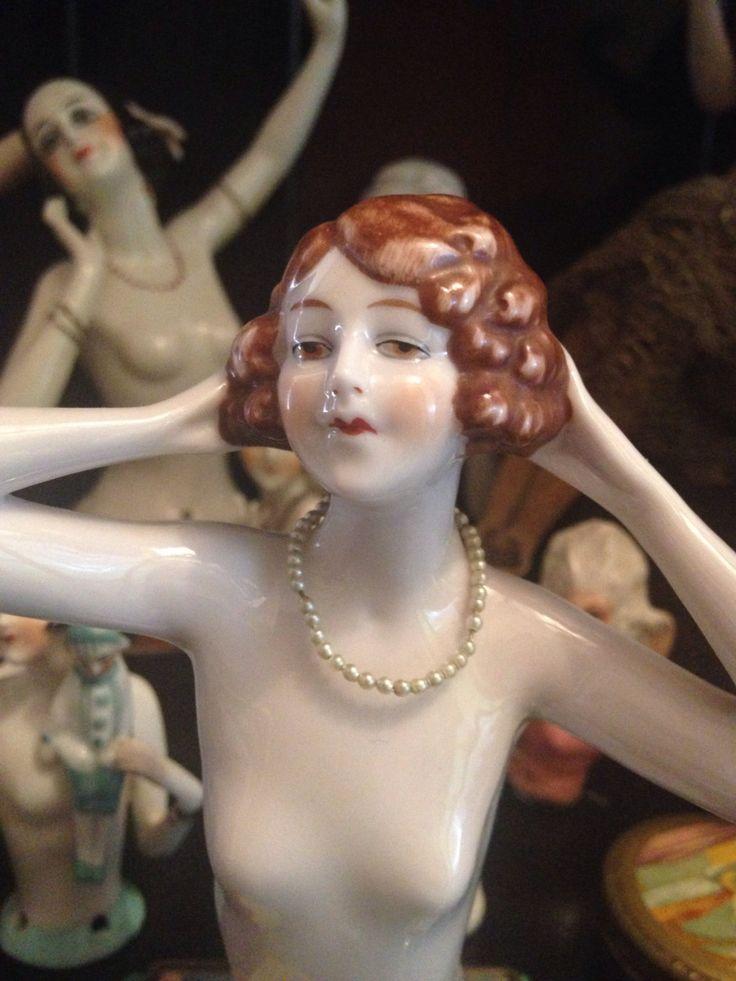 Le chouchou de ma boutique https://www.etsy.com/fr/listing/472440347/antique-fasold-stauch-german-flapper