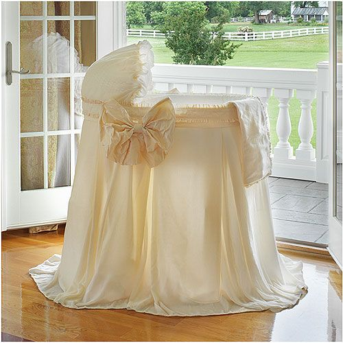 Mon Doux Bebe Bassinet With Linens : Bassinets And Cradles at PoshTots (future mommy dream)