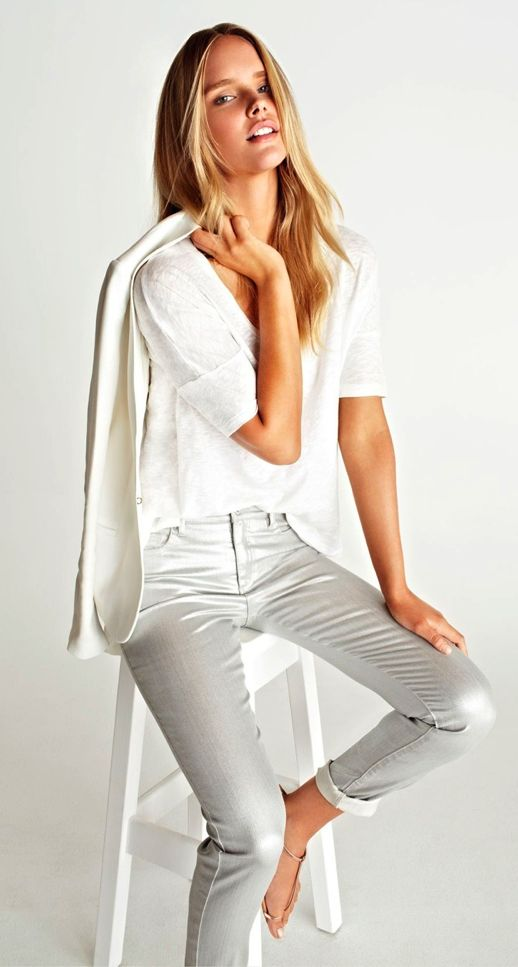white blazer, linen tee & metallic jeans #style #fashion #springstyle