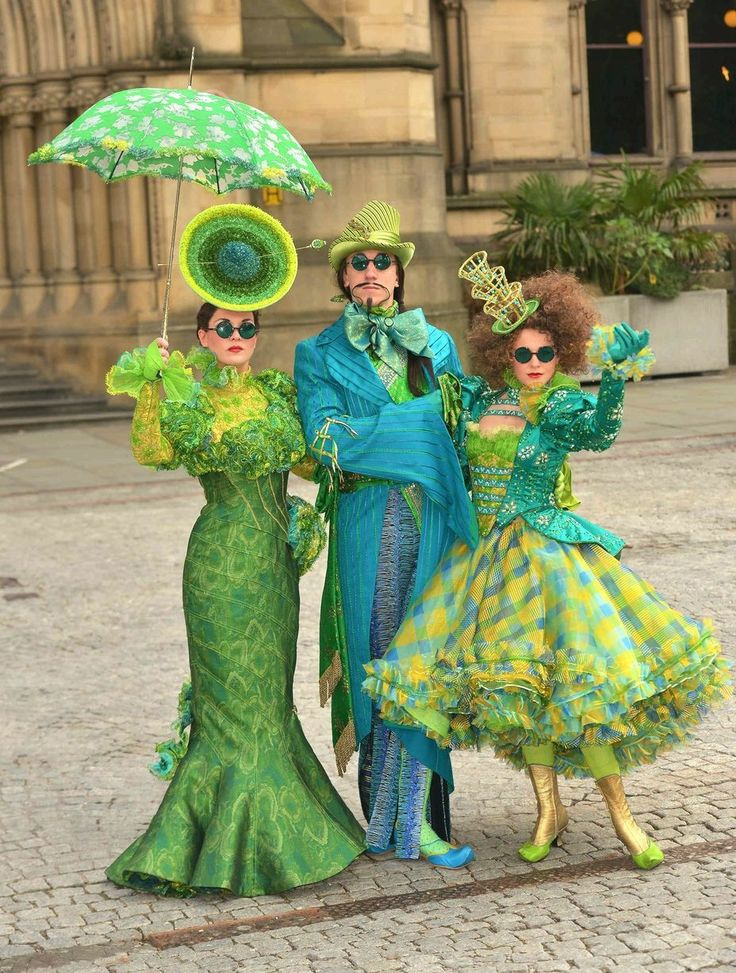 This is another example of the characters from the emerald city in the musical Wicked. I wanted to see how eccentric the costumes were individually and look at the colours.  - Book Local Traders --> https://SnipTask.com