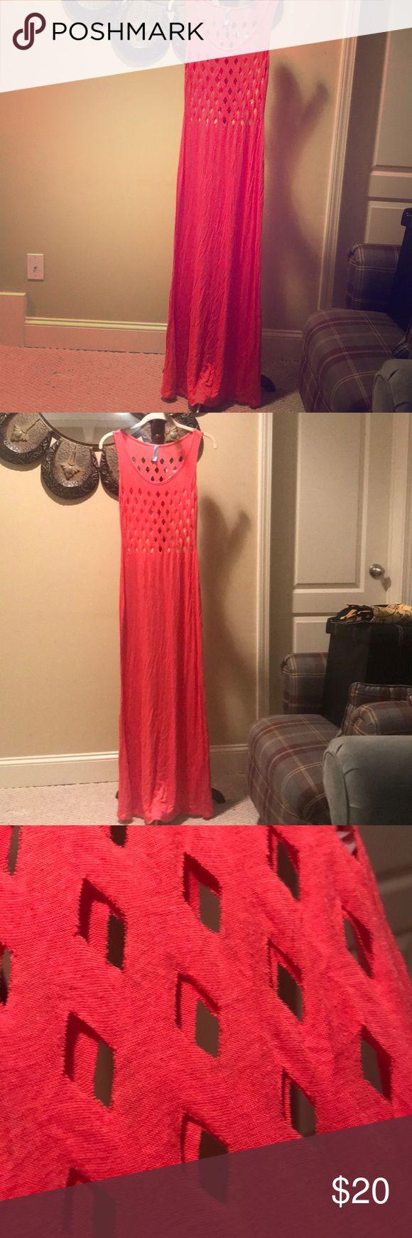 Peachy diamond cut out maxi Peach maxi dress w/ diamond cutout. Great to wear with bralette or bandeau. loila Dresses Maxi